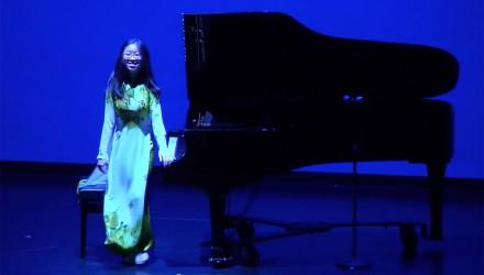 Clara Nguyen '19 - Student Pianist